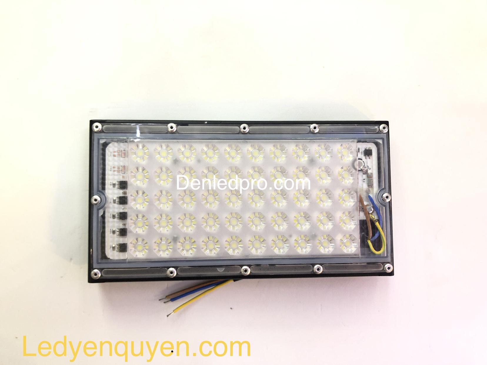 Đèn Pha LED Modum 50W Trắng Mini Trong